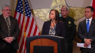 PBSO holds new conference on Wellington 'clown murder' case (15 minutes) - Video