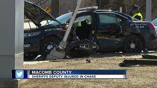 Macomb Co. Sheriff's deputy injured in crash - Video