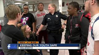 Walworth County school hires armed police officer - Video