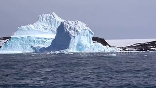 Huge chunk of ice collapses from iceberg in Antarctica - Video