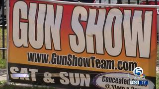 Gun show held in Lake Worth - Video