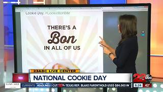 National Cookie Day at Cinnabon and Mrs. Fields - Video