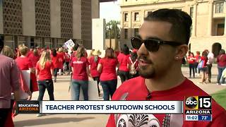 Teachers protest low pay in Arizona - Video