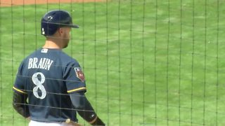 Ryan Braun embracing a new role as a leader in the Brewers clubhouse - Video