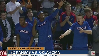 #2 Kansas hands Oklahoma 7th straight loss, 81-70 - Video