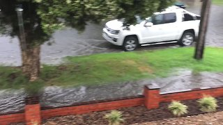 Flash Flooding Hits Melbourne as Storms Cause Travel Disruption - Video