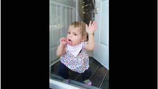 Cute Baby Makes Hilariously Funny Faces