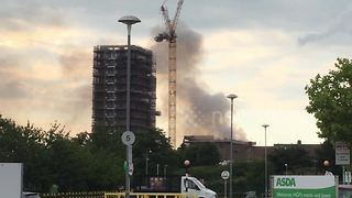72 firefighters tackle massive blaze near Olympic Park - Video