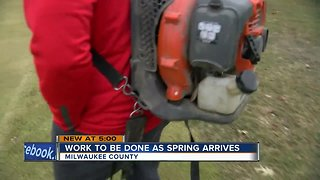 Meet the do-gooders cleaning up Milwaukee's snow melt trash