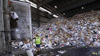 The Ugly Truth About U.S. Recycling System: It's Garbage