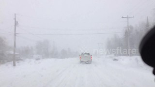 Blizzard conditions on Canadian highway - Video