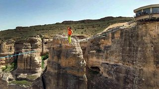 World's longest slackline record - Video