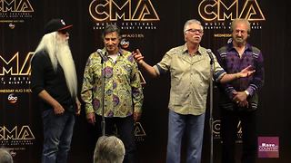 Oak Ridge Boys talk about a new generation of fans | Rare Country - Video