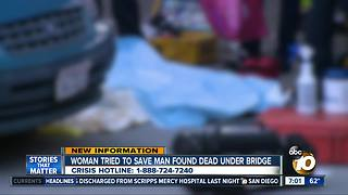 Woman tried to save man found dead under bridge - Video