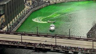 Here's How The Windy City Turns Its River Green For St. Patrick's Day - Video