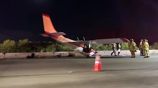 Plane crashes in the middle of San Diego freeway