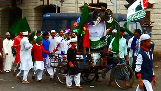 Malwid parade in Kolkata, India - Video