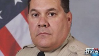 Sheriff emotional discussing injured deputy - Video