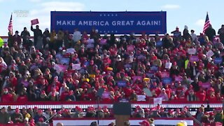 Trump continues re-election campaign in Green Bay