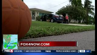 To evacuate or not in Cape Coral? - Video