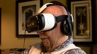 Seniors experiencing virtual reality - Video