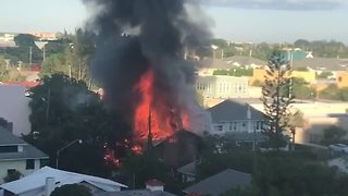 Apartment burns to ground in West Palm Beach - Video
