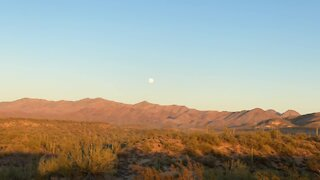 Serene moonrise time lapse over Arizona mountains