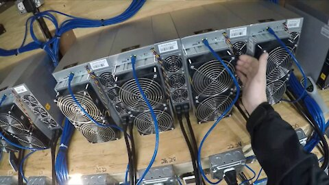 Crypto Farm - S19 Pro Is Constantly Showing Hot Temps, Investigation 😮