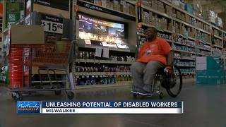 Local program helps man with cerebral palsy get job - Video