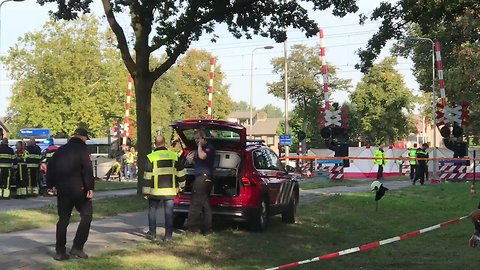 Four Children Killed in Collision Between Electric Bike and Train in Netherlands