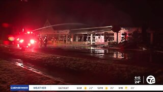 Fire at strip mall destroys Dollar General store in Brownstown Twp.