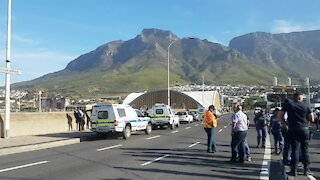 SOUTH AFRICA - Cape Town - Taxi protest causes traffic chaos (Video) (aYg)