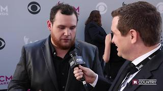 Country newcomer Luke Combs | Rare Country - Video