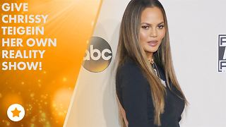 Chrissy Teigen is now a rapper - Video