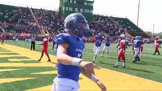 Utica Eisenhower beats Oak Park at Prep Kickoff Classic - Video