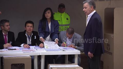 Colombian President votes in congressional elections