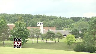Officials say state employees improve prison food service