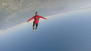 Thrilling freeflying skydiving session