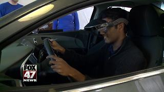 Simulator teaches teens about distracted driving - Video