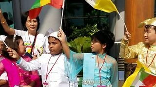 Children in Yangon Welcome Arrival of Pope Francis - Video
