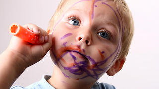 """Girl busted drawing on herself says """"It was magic! Not me!"""" - Video"""