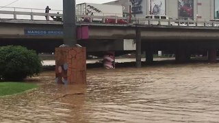 Families Evacuated in Philippines After Marikina River Water Level Becomes Critical - Video