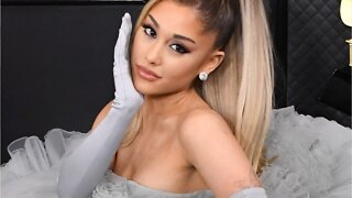Ariana Grande New Ombré Extensions