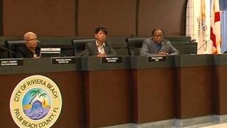 Legal experts question Riviera Beach city attorney's opinion on stipend - Video