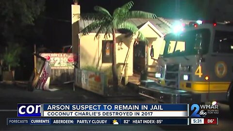 Pasadena man will remain in jail , facing federal arson charges for a fire at Coconut Charlies