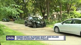 Deputies shoot and kill barricaded gunman in Waterford Township - Video