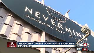 Head chef at restaurant chases after purse snatcher - Video