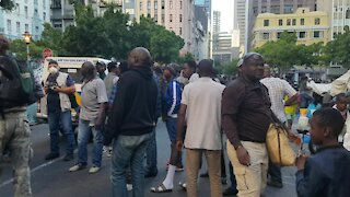 SOUTH AFRICA - Cape Town - Refugees removed from outside Central Methodist Mission (Video) (Pjz)