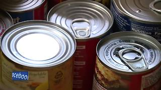 Manitowoc Police hold '10 Most Wanted' food drive - Video