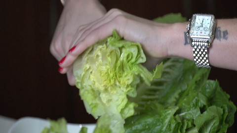 Warning about eating romaine lettuce